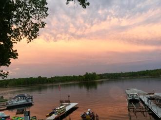 longville-resort-sunset